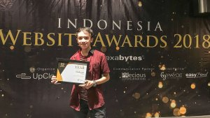 Eirudo.com Meraih Site of the Year - Indonesia Website Awards 2018